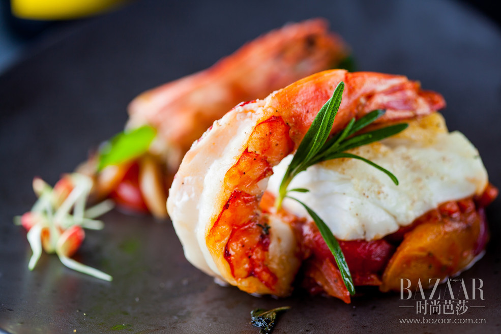 餐厅延续多年地中海风味菜系,大份量的分享概念招牌菜品,令食客们味蕾大开,吃到地地道道、踏踏实实的满足感。