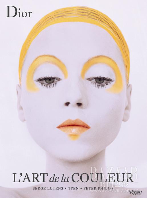 在这本书中,Dior迪奥表达了对色彩的热爱之情,特邀品牌彩妆大师从12款主要色彩中汲取 灵感,创作出华美的时尚摄影作品,呈献一系列卓然不凡的艺术佳作。
