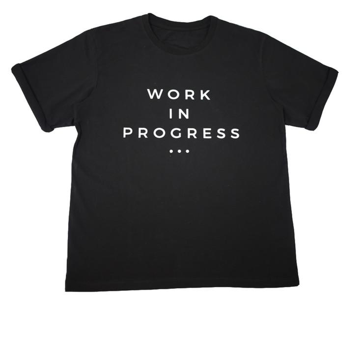 """近日,人气女星们纷纷身穿VOIR LAB 2017秋冬系列 """"Work in Progress"""" 白Tee,演绎简约时尚风。"""
